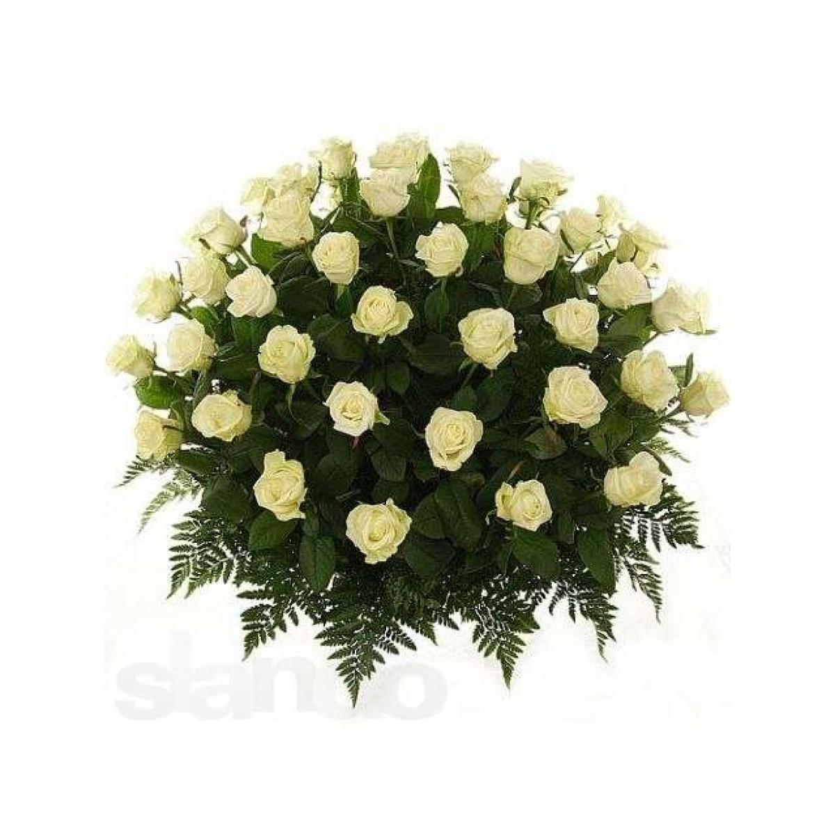 Кошница от 51 бели рози
