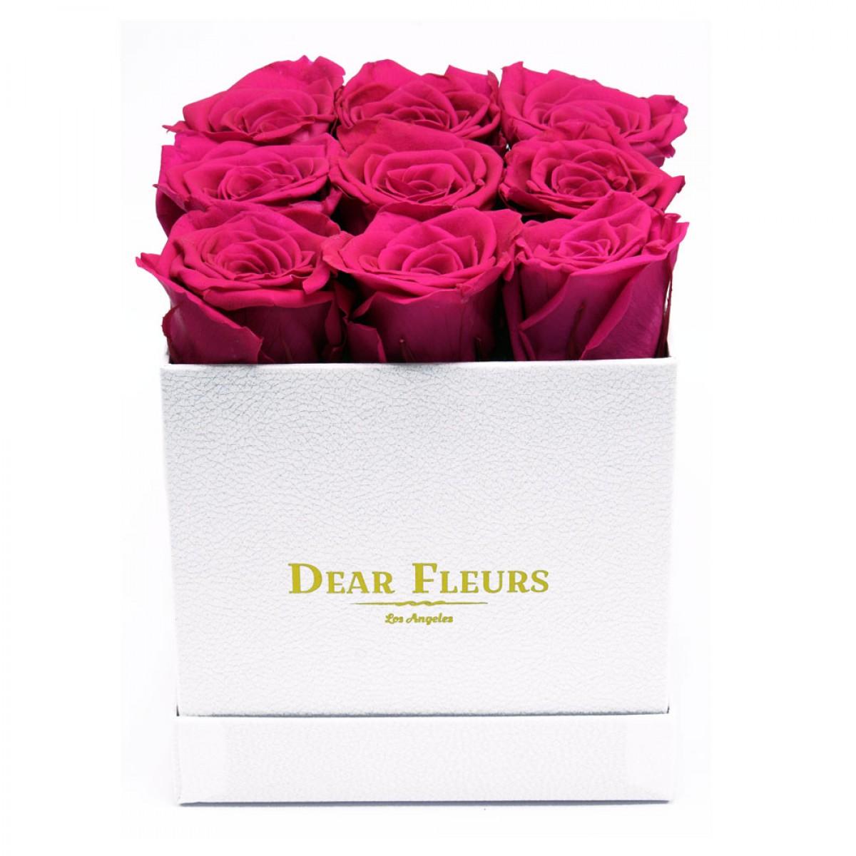9 розови рози в стилна бяла кутия