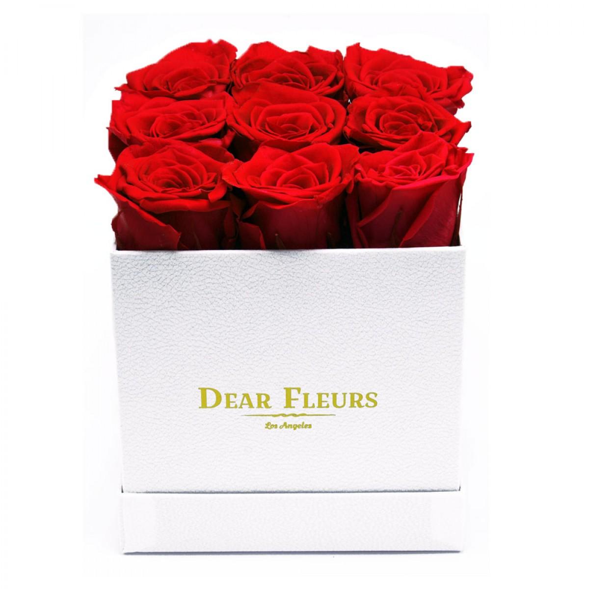9 червени рози в стилна бяла кутия