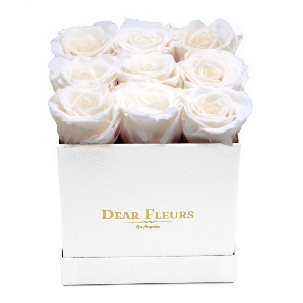 9 бели рози в стилна бяла кутия