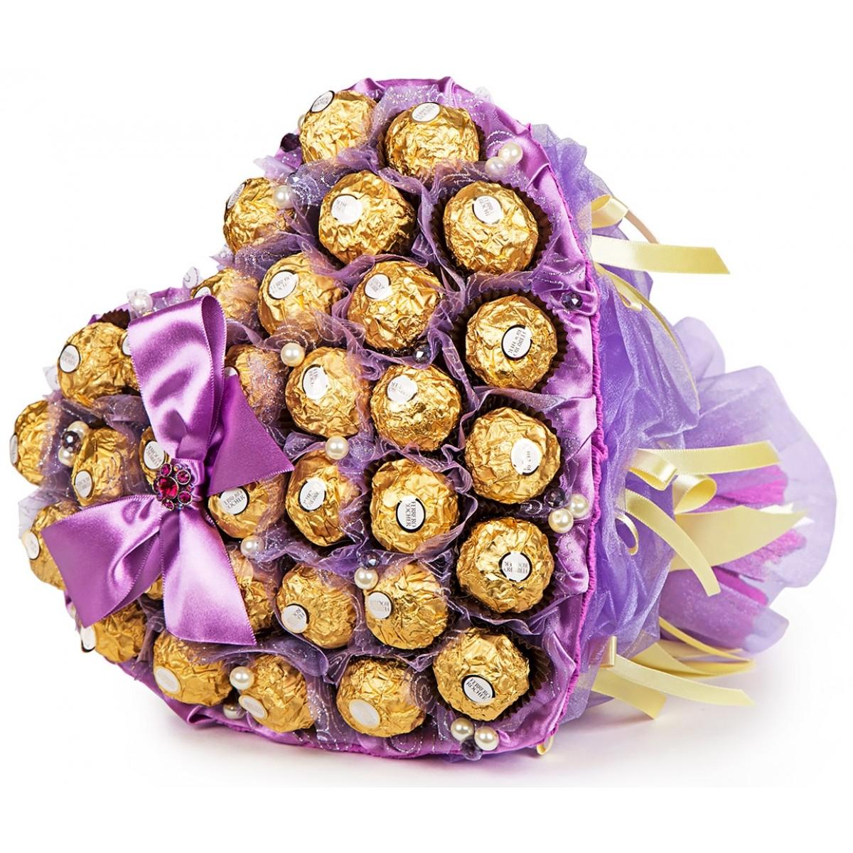 """Букет """" Сърце от """"Ferrero Rocher """" в лилаво"""