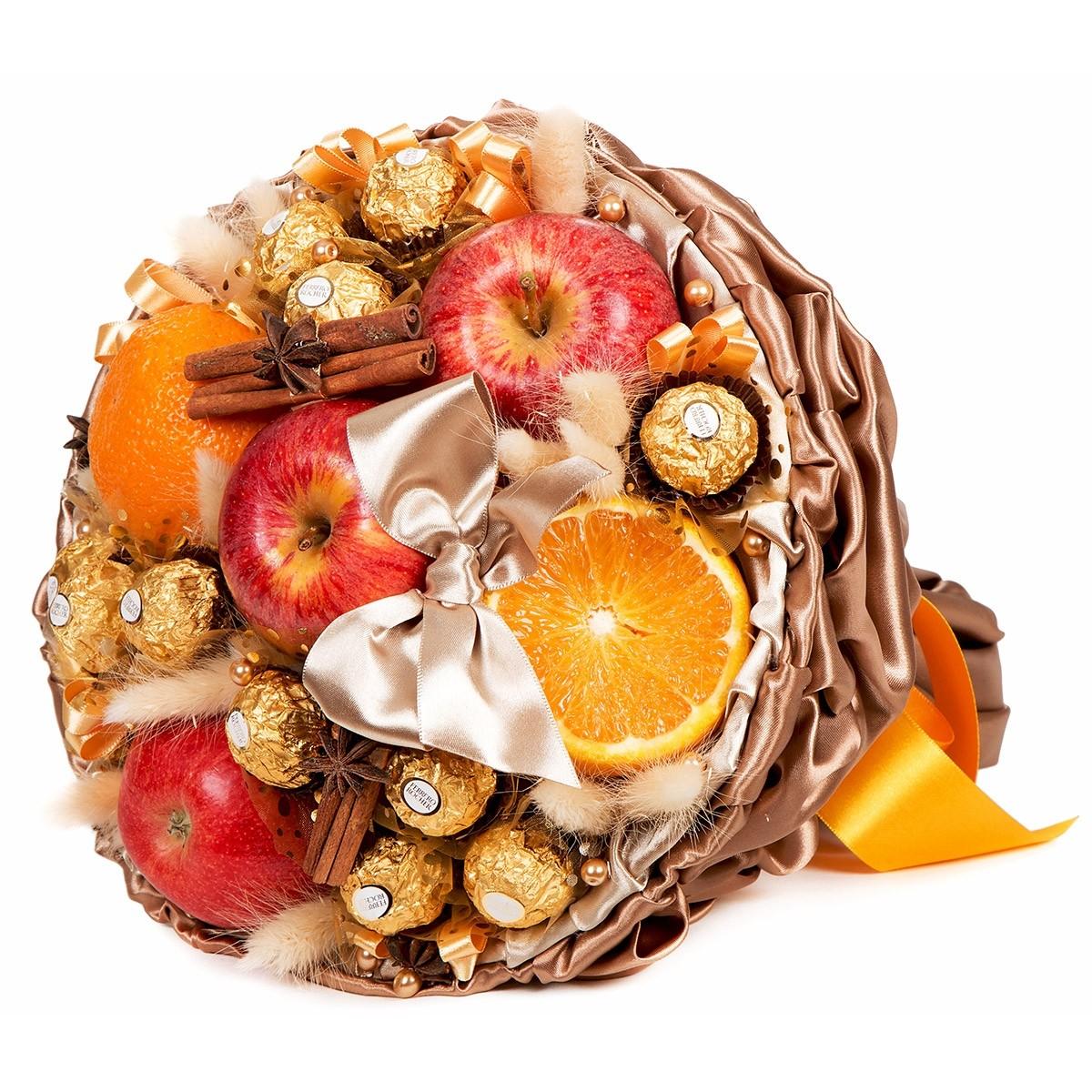 """Букет """"Пунш"""" от шоколадови бонбони и плодове"""