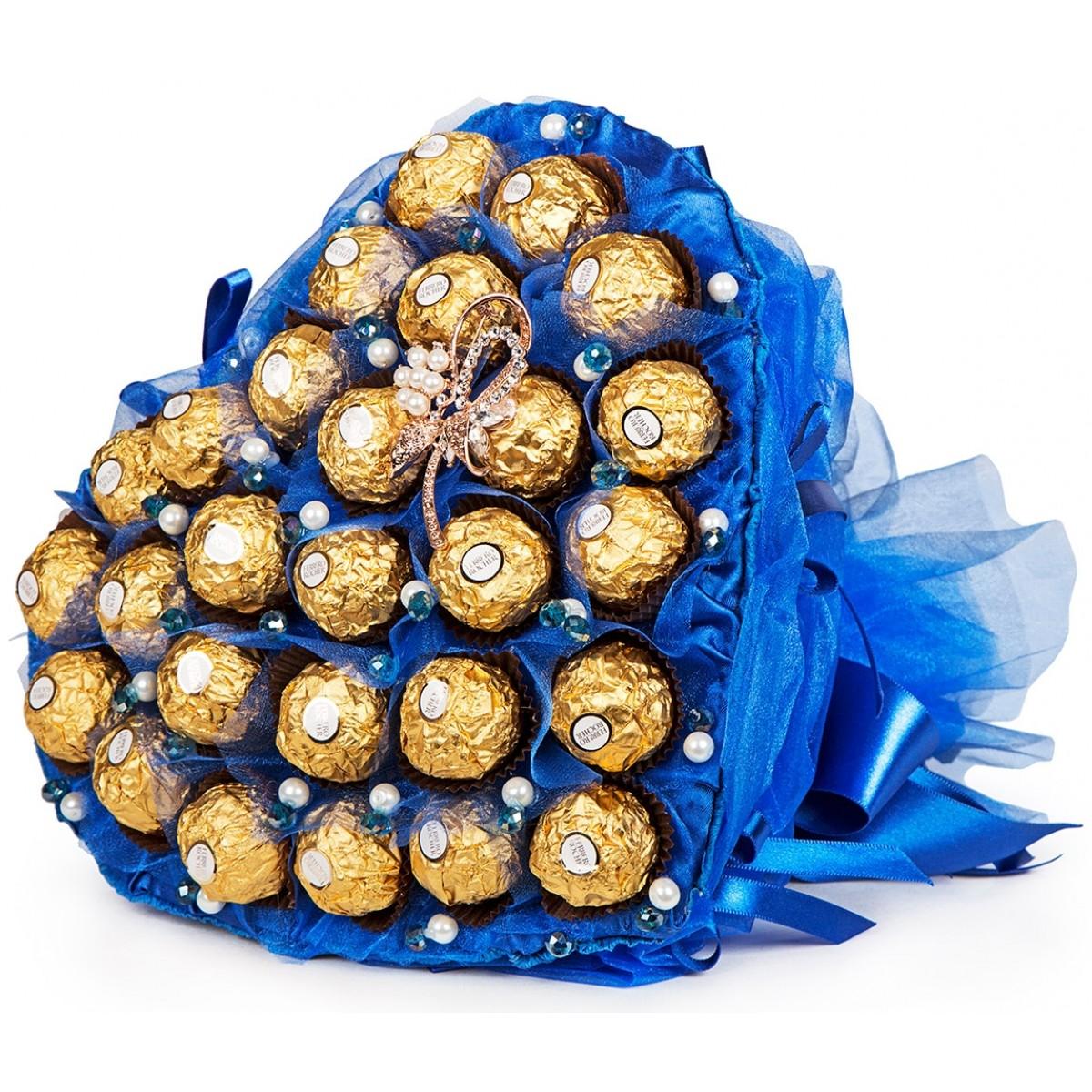 """Букет """" Сърце от """"Ferrero Rocher """" в синьо"""