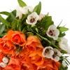 Дръвче от 15 оранжеви спрей рози във форма на сърце с доставка в София