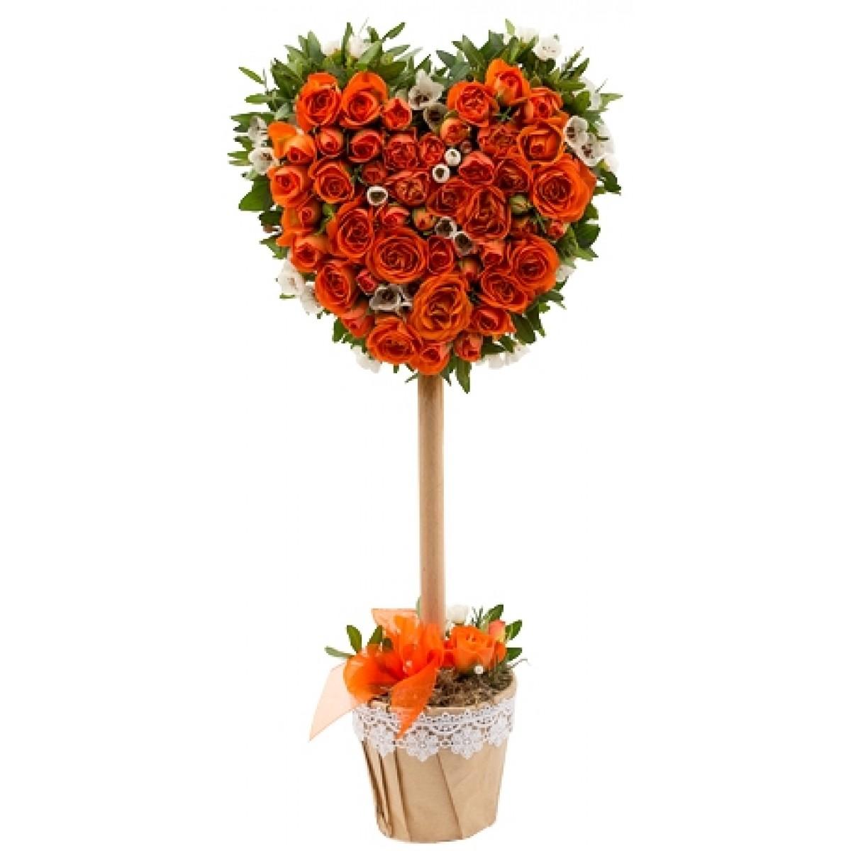 Дръвче от 15 оранжеви спрей рози във форма на сърце