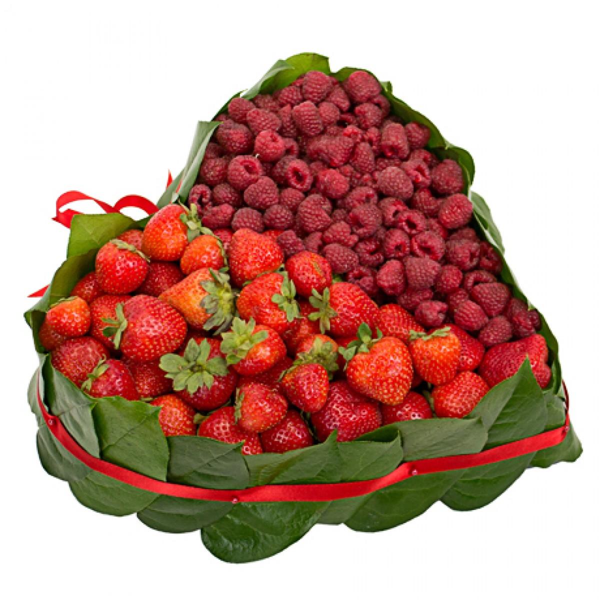Сърце от ягоди и малини 1 кг.