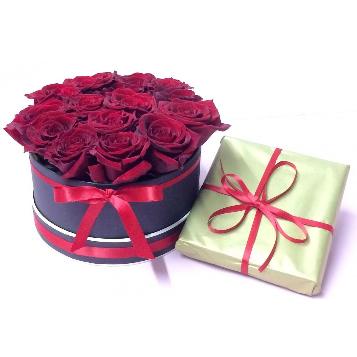Сладка Валентинка 2 - 15 рози от сапун и белгийски шоколади