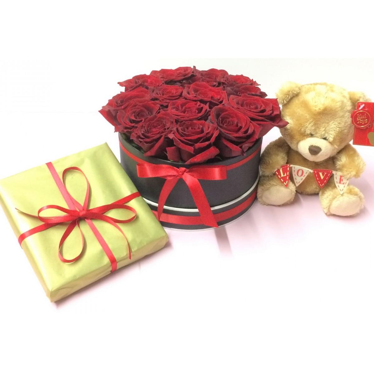 Супер Валентинка 2 - 15 рози от сапун, плюшено мече и белгийски шоколади